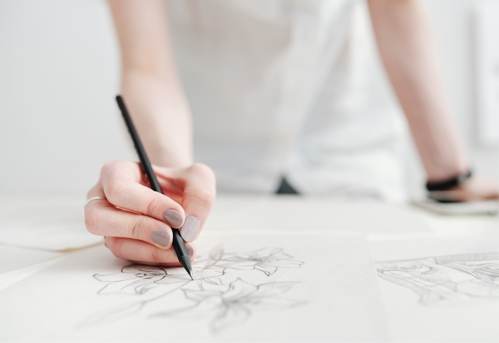 Ilustração manual de flores em papel